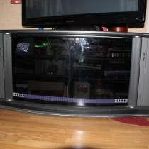Продам в Кохтла-Ярве (Ахтме) тумбу под телевизор б/у, в г.Кохтла-Ярве