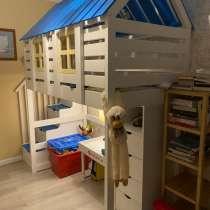 Кроватка домик двухяростная, в Москве