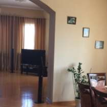 Продам трёх этажный дом со всеми удобствами в центре города, в Батайске