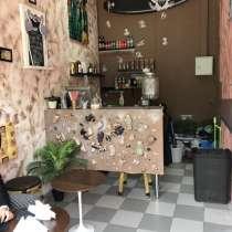 Уютное кафе на площади вокзала в ЦАО, в Москве