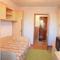 Сдам двухкомнатную квартиру по Луговой, 23, в Хороле