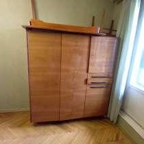 Шкаф и стол метро коньково, в Москве