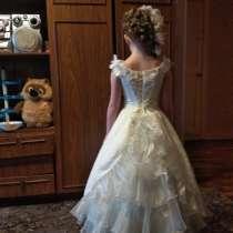 Очень красивое нарядное платье, в Самаре