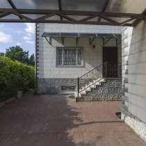 Продам жилой дом 222 м2 с участком 4.5 сот, РИИЖТ, в Ростове-на-Дону