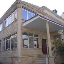 Дом для гостей, у центральной дороги, в 7 мин.езды от центра, в г.Баку