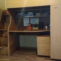 Кровать-чердак с рабочей зоной и шкафом, в Санкт-Петербурге