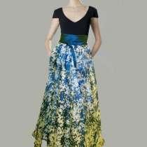Продаю длинное, сине-белое шикарное вечернее платье, в Майкопе