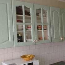 Продам кухонную мебель, зеркало, кровать, кресло, шкафы, в г.Усть-Каменогорск