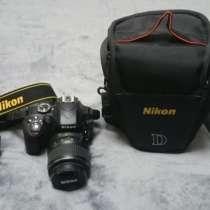 Зеркальный фотоаппарат Nikon D3300 + SD 16 Gb, в Москве