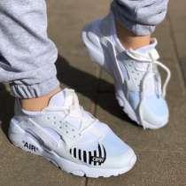 Продам кроссовки, в Томске