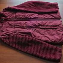 Продам куртку темно вишневого цвета с трикотажной отделкой, в Екатеринбурге