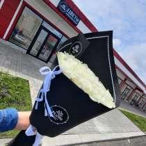 Букет роз в черном оформлении, в Липецке