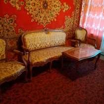 Мебель диван, стол, 2 кресла, в г.Снежное
