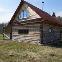Бревенчатый двухэтажный дом-баня, в тихом месте, на берегу, в Угличе