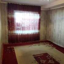 Срочно!!! Продаю 1,5 кв. мкр. Восток-5 48м2 цокольный этаж, в г.Бишкек