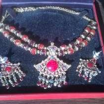 Очень шикарный набор из ожерелья и сережек, в Краснодаре