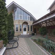 Продам жилой дом 209 м2 на 4 сот 3-я барикадная, в Ростове-на-Дону