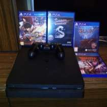 Sony PlayStation 4 Slim 1TB+ 4 диска с играми, в Москве