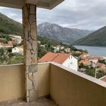 Односпальная квартира 55м2 с видом на море в Каменари, в г.Херцег-Нови