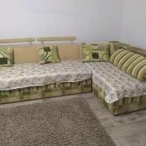 Продам диван угловой размер 3,5x1,8 м, в Нижнегорском