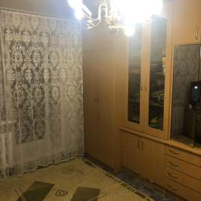 Продам трехкомнатную квартиру, в Барнауле