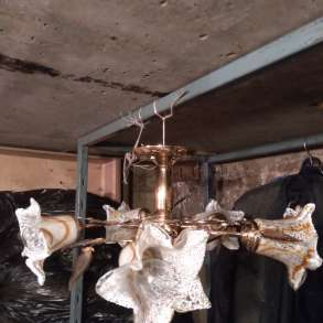 Продам комнатную люстру с 5-ю лампами, в Москве