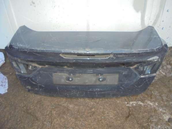 задняя крышка багажника Ford fokus 3(седан).