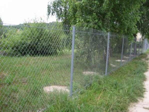 Установим забор из сетки рабица