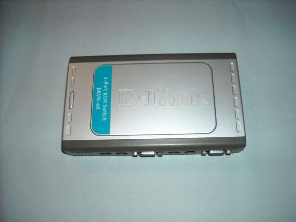 KVM Switch D-Link 4х портовый