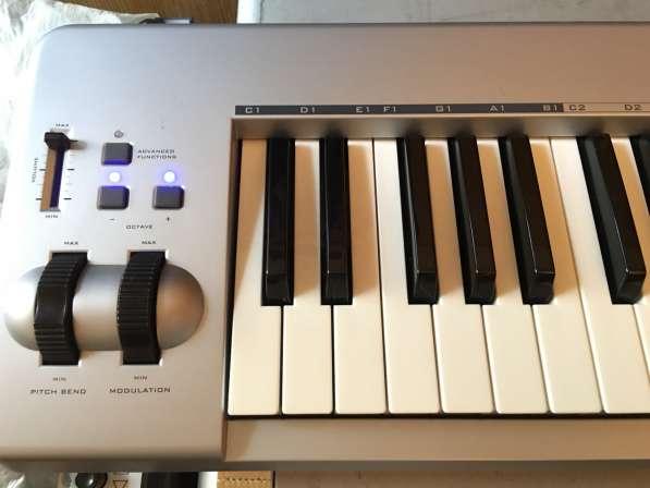 M-Audio Keystation 61 ES USB MIDI controller