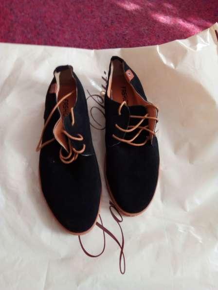 Туфли замшевые, черного цвета, новые, размер 41
