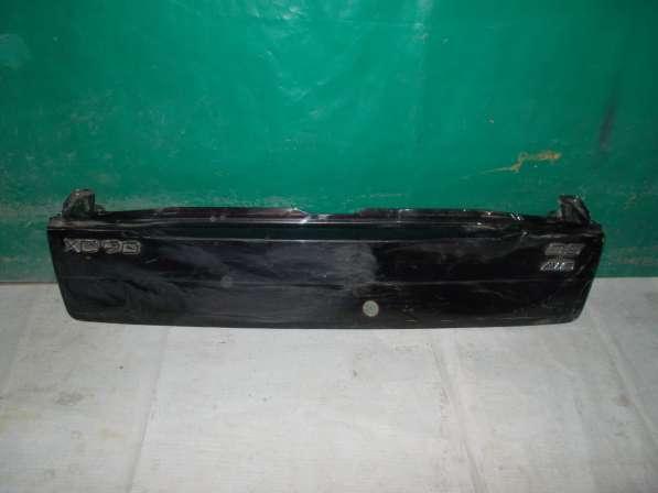 Нижняя часть багажника на Volvo XC90