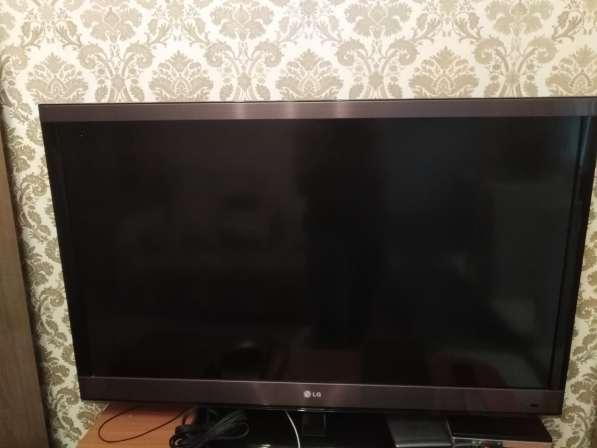 Продам рабочий 3D телевизор LG 42LW575S диагональю 42 дюйма