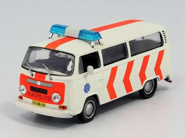 полицейские машины мира №17 V0LKSWAGEN TRANSPORTER T2