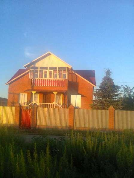 Продам двухэтажный кирпичный Дом на участке 16 соток