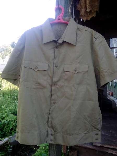 Продаю оптом рубашки офицерские в Москве
