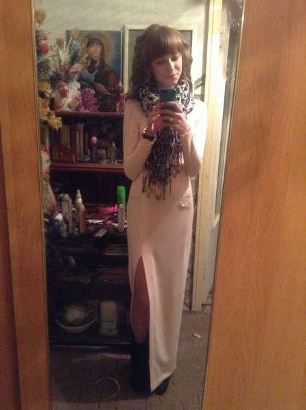 Вечернее платье в пол нежно-розового цвета размера XS
