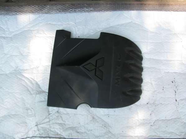 Декоративная крышка двигателя Mitsubishi Lanser и др.