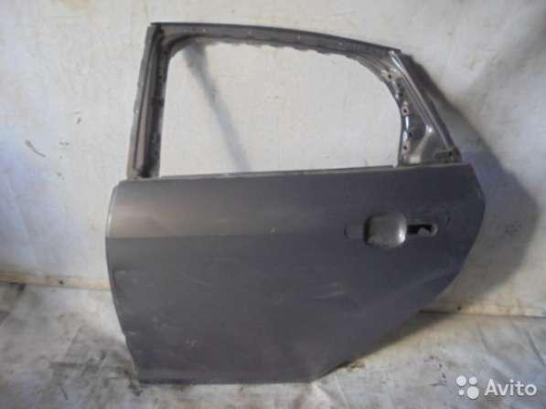 Дверь задняя левая бу для Форд Фокус 3 (Ford)