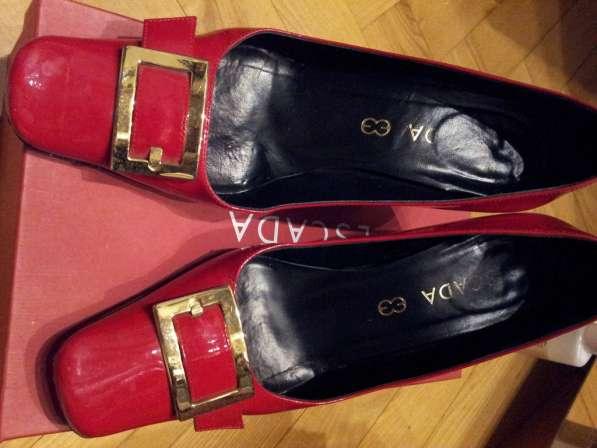 Красные лакированные туфли Эскада ESCADA на 5 см каблуке 37р
