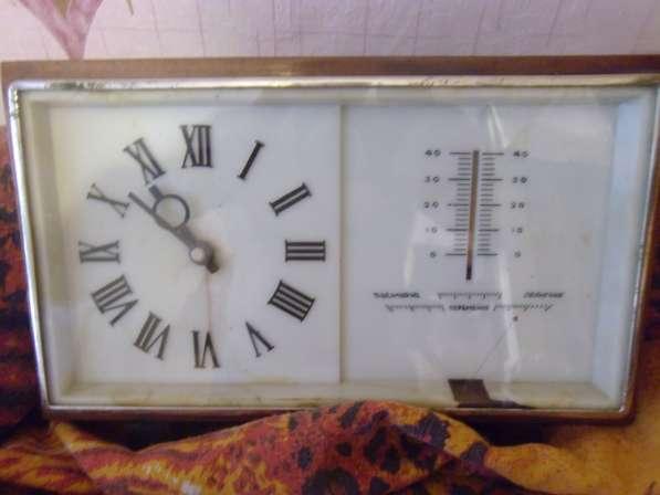 Продам мех. часы с барометром и термометром.