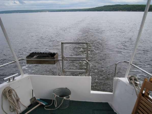 Моторная яхта-катер в Нижнем Новгороде фото 7