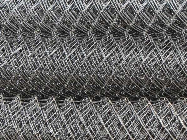 Сетка-рабица в рулонах + Столбы под сетку