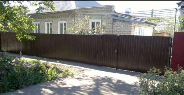 В Кропоткине дом по ул. Целых 70 кв м на участке 6 соток