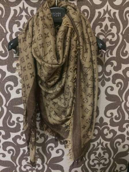 Платок (палантин, шарф) LV