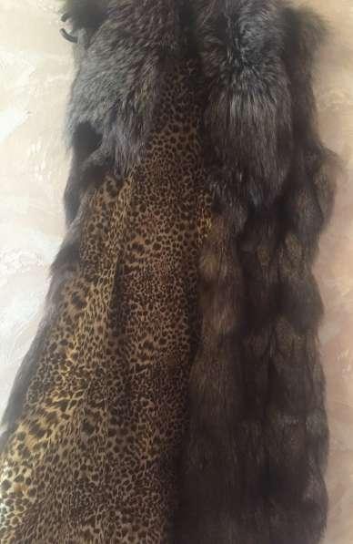 Меховая Жилетка длинная из чернобурки