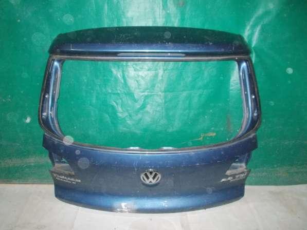 Крышка багажника на Volkswagen Tiguan - Синяя