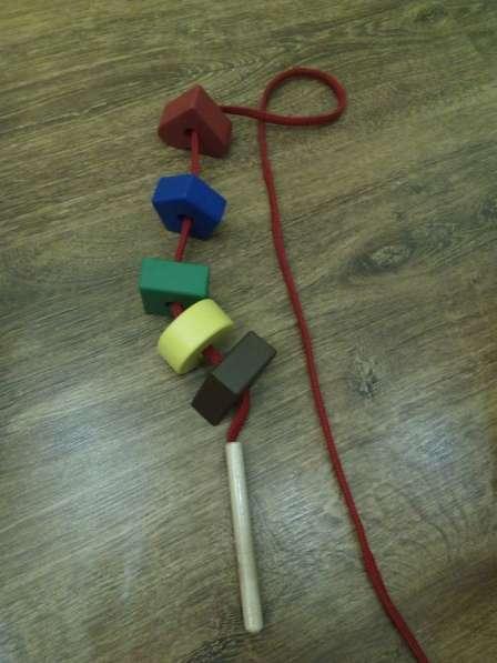 Развивающая игрушка в