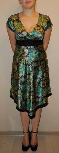 Платье нарядное летнее шелковое зеленое