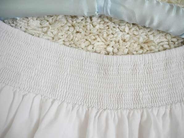 Красивенная белоснежная юбка с кружевом Clockhouse в